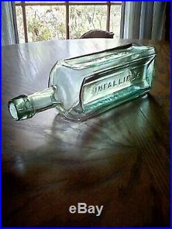 Antique rare medium green Hyatt's // Infallible// Life Balsam / N. Y. Near Mint