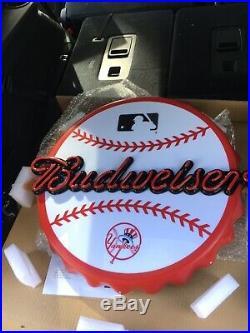 Authentic Nib Budweiser New York Yankees Bottle Cap Led Beer Sign
