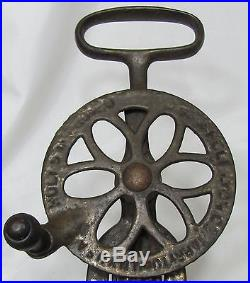 Holt-Lyon Co. Tarrytown, N. Y. Footed Beater, Mixer Jar
