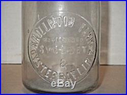 Vintage Knollwood Farm Syoset & Oyster Bay, L. I, N. Y Embossed Glas Milk Bottle