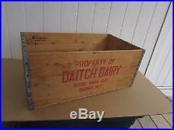 Vintage milk crate Bronx NY Daitch Dairy Park Ave Bronx NY 1961